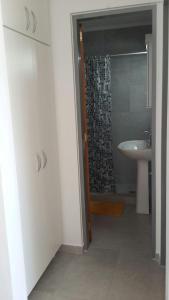A bathroom at Departamento Alem