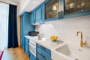 Cuisine ou kitchenette dans l'établissement Manesova No.5 Apartments