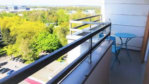 A balcony or terrace at Messeapartment stylisch & citynah
