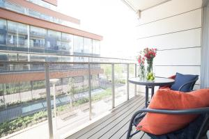 A balcony or terrace at BJØRVIKA APARTMENTS, Teaterplassen, Oslo city center