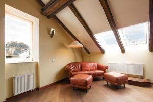 Area tempat duduk di Spectacular views of Prague castle apartment