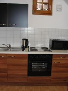 A kitchen or kitchenette at The Square Coburg