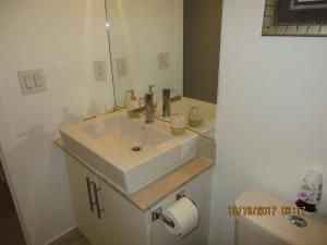 A bathroom at Luxury Furnished Corporate Suite in Downtown Toronto