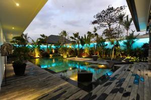 The swimming pool at or close to Villa Cantik