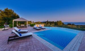 The swimming pool at or close to Frido Luxury Villa
