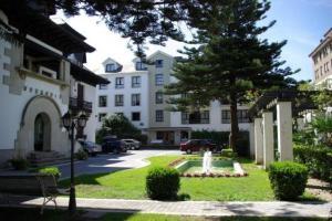 Hotel y Apartamentos Arias