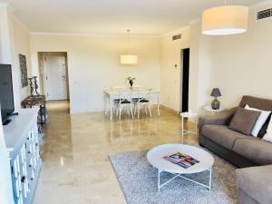 Zona de estar de Casares Beach Golf Apartments