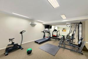 The fitness center and/or fitness facilities at Quest Singleton