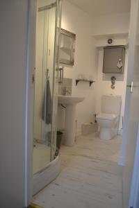A bathroom at Old Bridge End