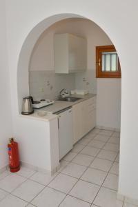 Η κουζίνα ή μικρή κουζίνα στο Theoni Studios