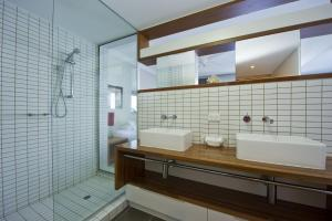 A bathroom at 1 Bright Point Apartment 5404