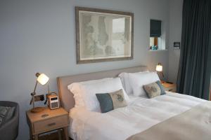 เตียงในห้องที่ Air an Oir - Skye Self Catering