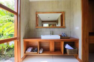 Salle de bains dans l'établissement Ume Sri Villas Ubud