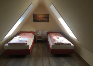 Ein Bett oder Betten in einem Zimmer der Unterkunft Ferienhaus Engelsby