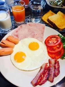 Breakfast options available to guests at Baan Mandala Arnalia Villas