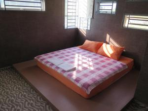A bed or beds in a room at Private Jacuzzi swimming pool house