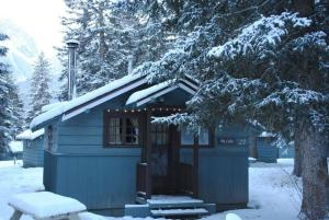 Rundle Chalets by Elevate Rooms during the winter