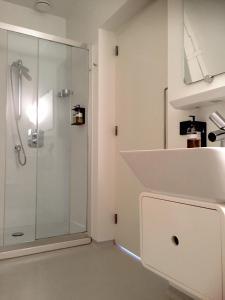 A bathroom at Urban Residences Maastricht