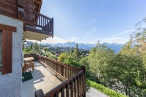 A balcony or terrace at Chalet Marianne - Close to ski lift Nendaz - 4 Valleys