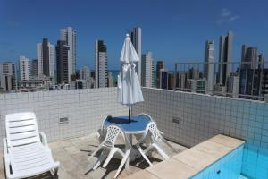 A balcony or terrace at Apartamento Alice Tenório