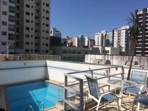 The swimming pool at or near Apart Quartier Latin