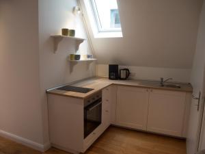 A kitchen or kitchenette at Schönes Studio zentral