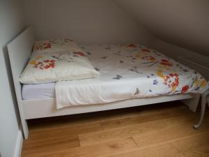 A bed or beds in a room at Schönes Studio zentral