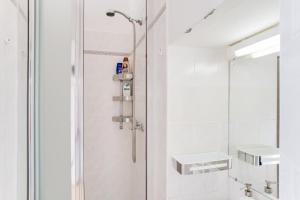 Um banheiro em Sunny Vinohrady Apartments