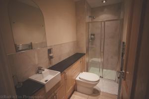 A bathroom at Apartment D