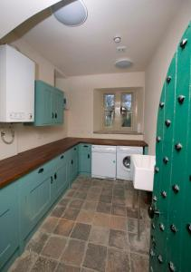 A kitchen or kitchenette at Barbican