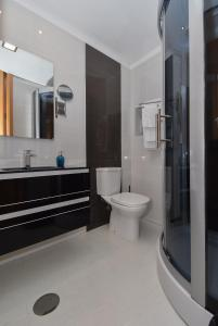 Salle de bains dans l'établissement Reis de Gaia