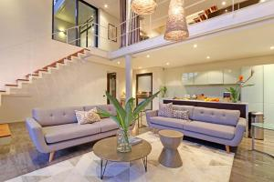 The lobby or reception area at Luxurious Penthouse Apartment in Colourful Bo Kaap