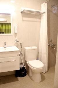 A bathroom at BonzaiStay