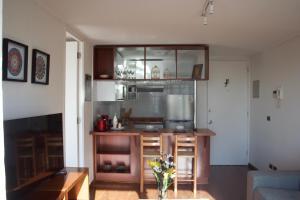 Una cocina o zona de cocina en Bellavista Forestal Apartment