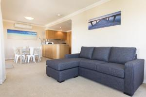 A seating area at Whitesands, Unit 602, 34-38 North Street