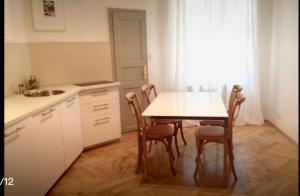 Küche/Küchenzeile in der Unterkunft Wonderful apartment Lucie
