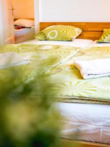 Una cama o camas en una habitación de Vagohid30 Apartment