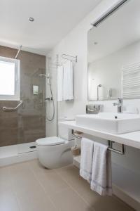 A bathroom at White Sands Beach Club By Diamond Resorts