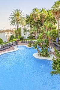 The swimming pool at or near Royal Oasis Club at Pueblo Quinta By Diamond Resorts