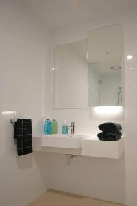 A bathroom at Macquarie Resort Two Bedrooms Apartment B