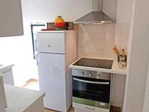 A kitchen or kitchenette at Charm