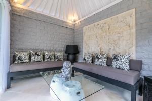 A seating area at Villa DV23
