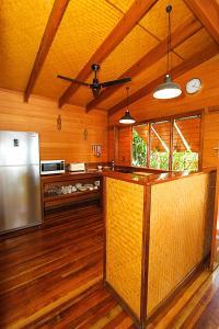 Cuisine ou kitchenette dans l'établissement 1770 Beach Shacks