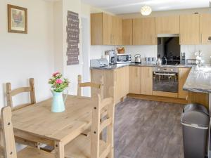 A kitchen or kitchenette at Roslyn