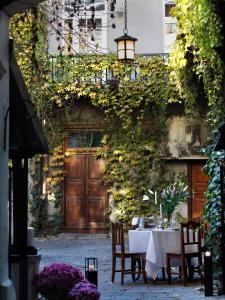 Restoranas ar kita vieta pavalgyti apgyvendinimo įstaigoje Antique Apartments Old Town
