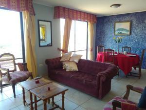 A seating area at Mirador Casa En Caldera