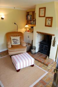 A seating area at Rose & Apple Tree Cottages