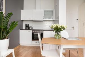 A kitchen or kitchenette at Studio 44