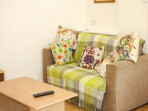 A seating area at Becks Cottage