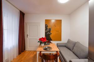 Posezení v ubytování Romantic Apartment Prague near Charles Bridge